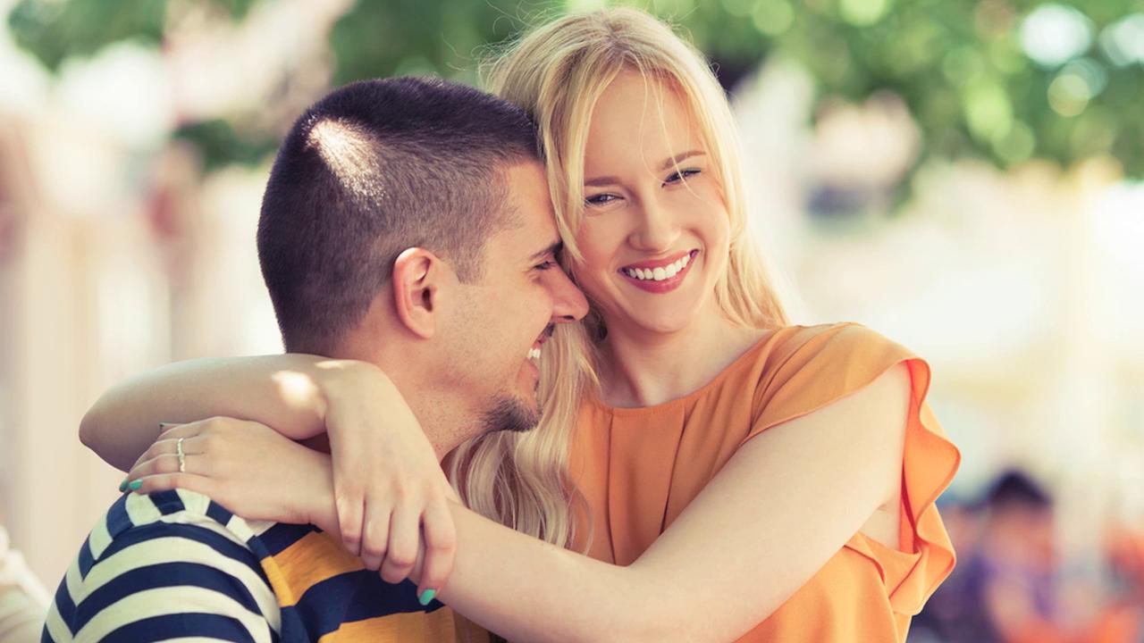 Sevgili bulmak istiyorsanız yeni insanlarla tanışmaktan çekinmeyin
